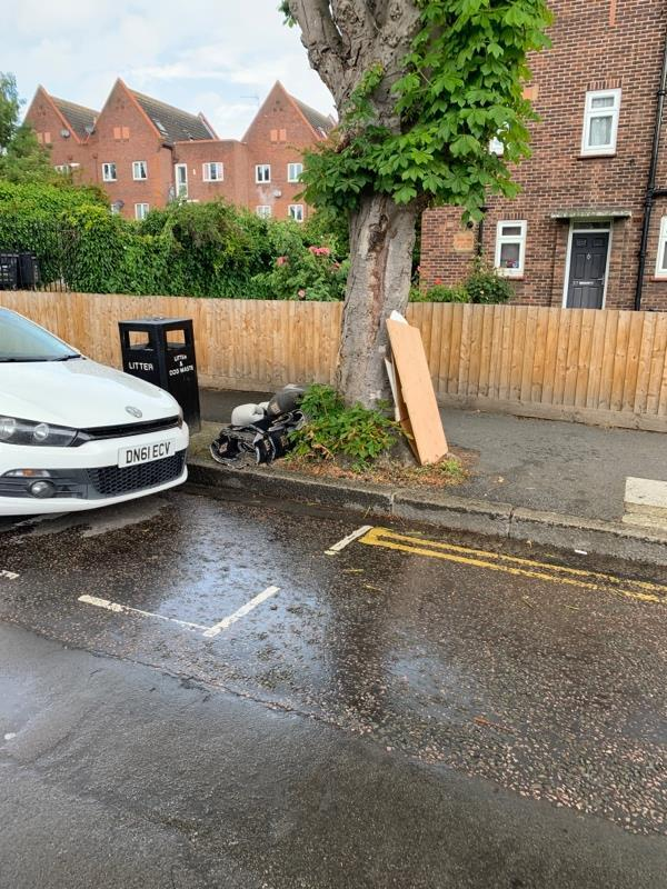 And even more crap dumped outside 37 Langdon Road E6-37 Langdon Rd, London E6 2QB, UK