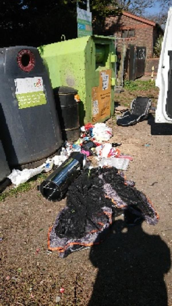 House old waste removed fly tipping etc removed-43 Dorchester Ct, Liebenrood Rd, Reading RG30 2DS, UK