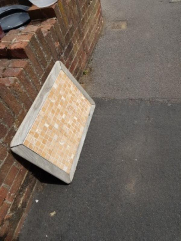 flytipping-30 Prince of Wales Avenue, Reading, RG30 2UH