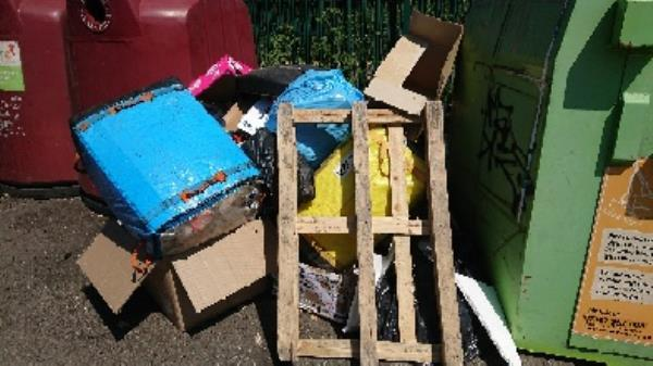House old waste removedl fly tipping -5 Lynmouth Court Lynmouth Road, Reading, RG1 8DG