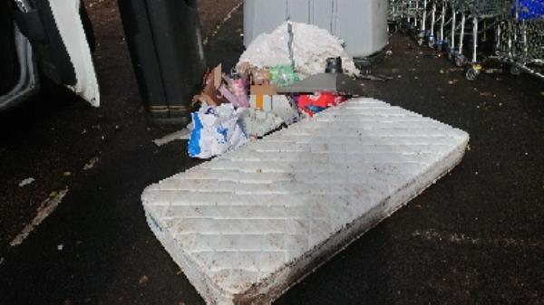 house old waste removed mattress single flytipping -180 Luscinia View Napier Road, Reading, RG1 8DF