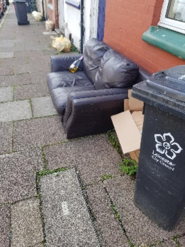 104 warwick st. illegal flytip-105 Warwick Street, Leicester, LE3 5SF
