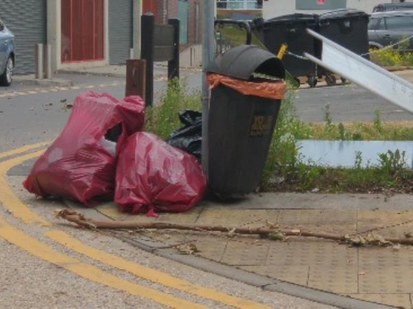 dumped-1a Eaton Place, Reading, RG1 7LP