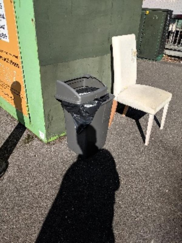 dumped chairs-44 Howard Street, Reading, RG1 7XS