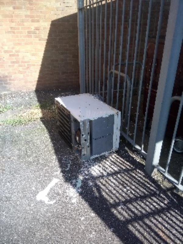 Fly tipping two person lift required -38a Coronation Square, Reading, RG30 3QN