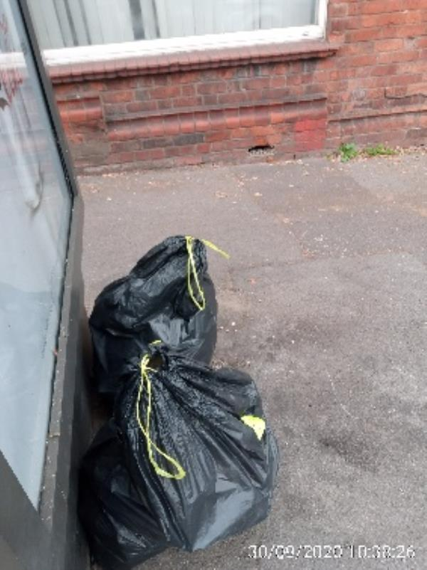 2 bags in front of 4 Bridge St caversham have investigated please collect -206 Caversham Road, Reading, RG1 8AZ