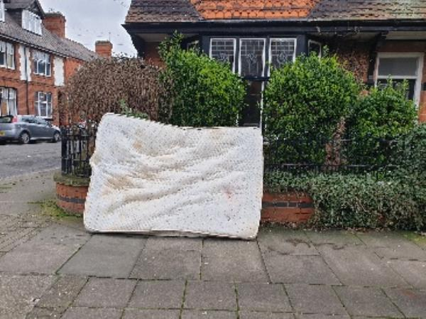 fly tipping.  mattress dumped mattress outside house overnight -31 St James Road, Leicester, LE2 1HR