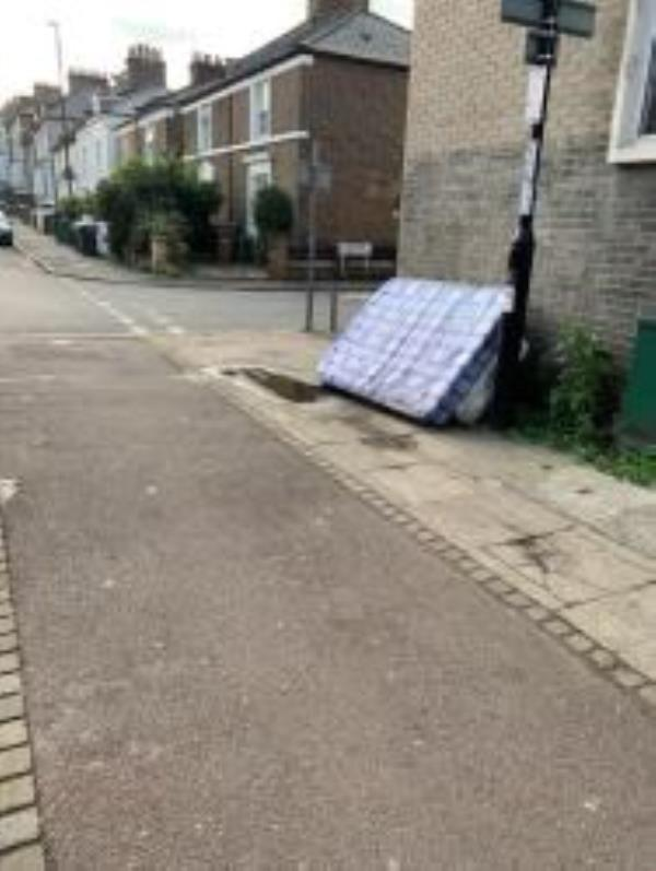 Please clear A Mattress from side of Lewisham Library. Reported Via Fix my Stteet-Limes Grove