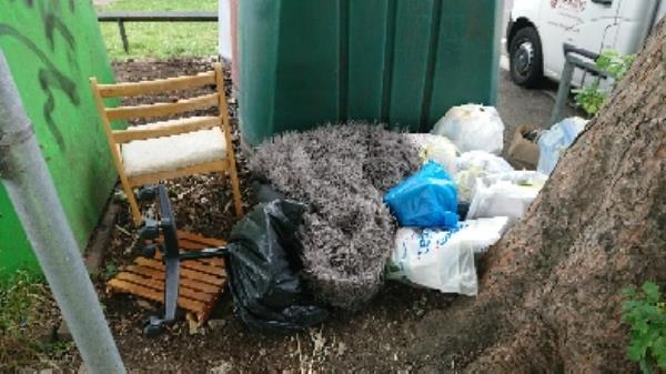 House old waste removedl fly tipping on going at this site  image 1-1a Norfolk Road, Reading, RG30 2EG