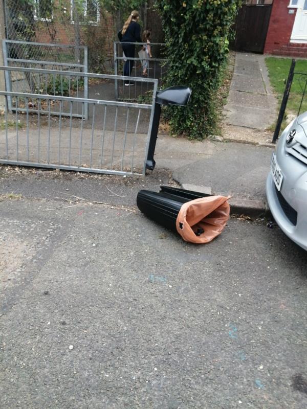 Bin broken off-40 Staverton Road, Reading, RG2 7LG