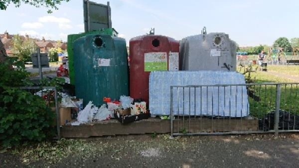 Large amount of household waste mattresse etc flytipping  image 1-1a Norfolk Road, Reading, RG30 2TD