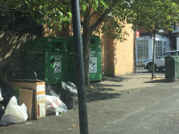 Opp 119 Wakefield st near recycling bank and litter bin-117 Wakefield Street, London, E6 1LG