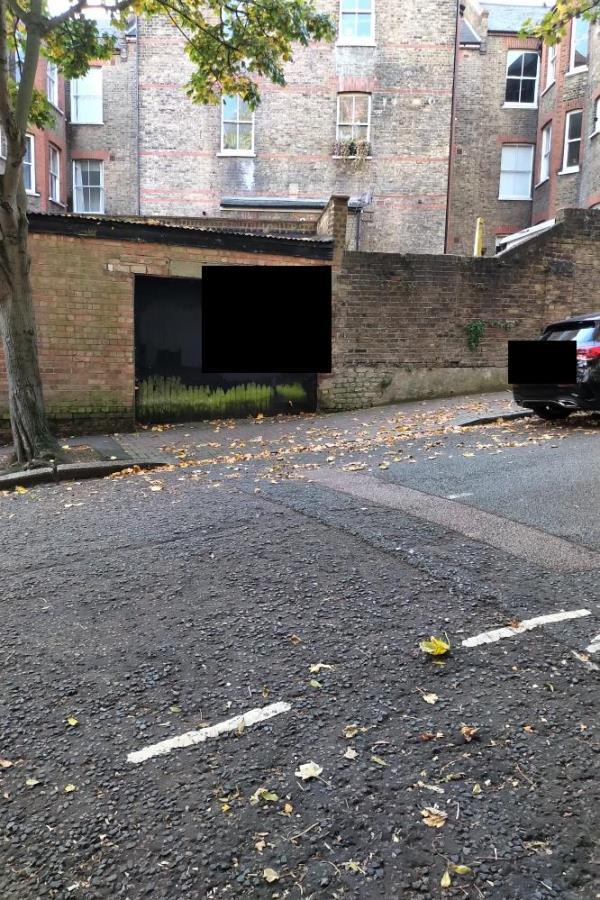 On Holmesdale Road-300 Archway Rd, London N6 5AU, UK