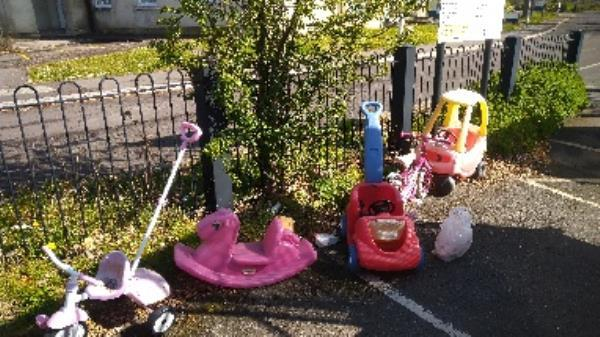 Flytipped items no evidence taken -2a Lesford Road, Reading, RG1 6EH