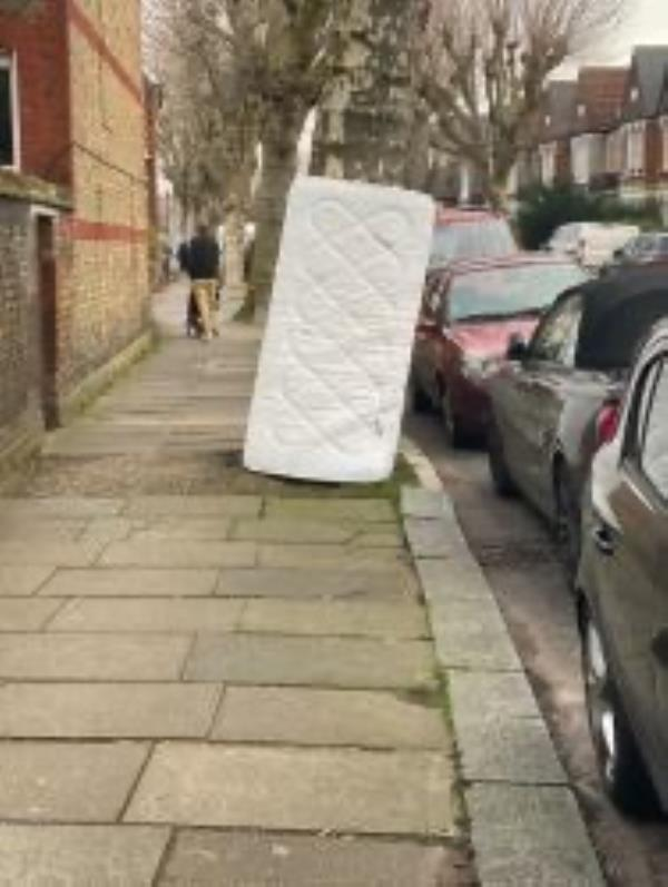 Please clear a mattress-152 Inchmery Road, London, SE6 1DF