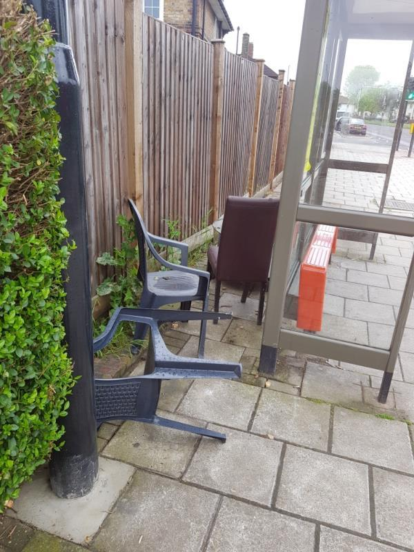 Pls clear even side of roundway.  Gospatrick rd bus stop-97 The Roundway, Tottenham, N17 7EG