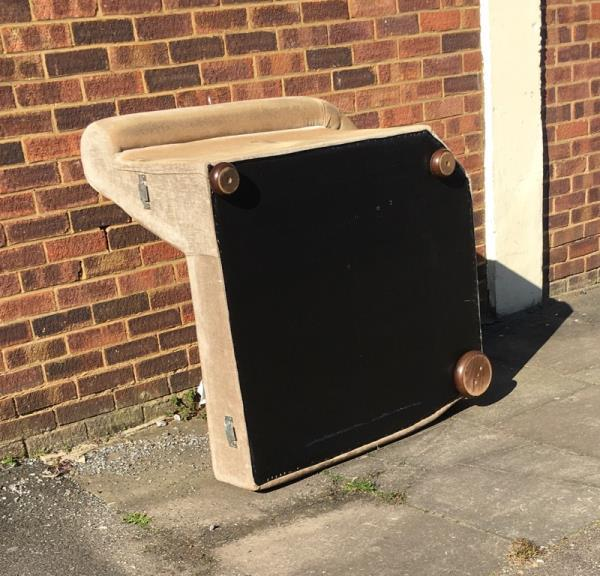 Fly tipping upper crown street -6 Upper Crown Street, Reading, RG1 2SS