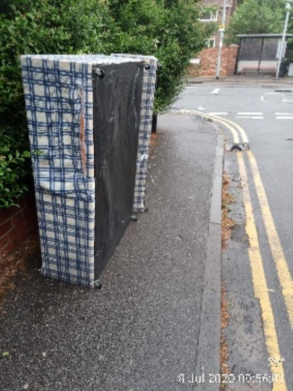 Please clear bed base from top. Of Milan Road -6a Basingstoke Road, Reading, RG2 0EL