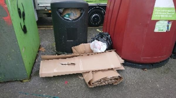 House old waste removed fly tipping -3 Baker Street, Reading, RG1 7LJ