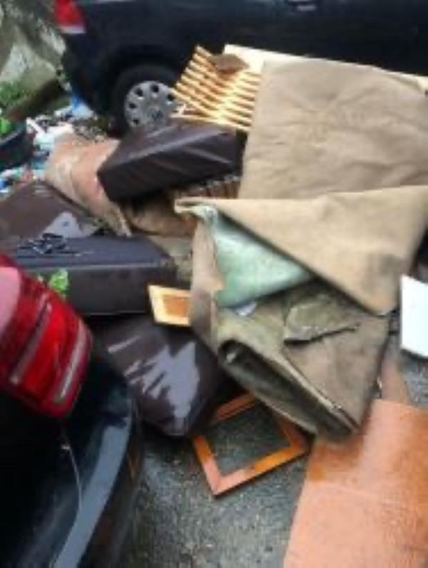 There has been so much rubbish dumped outside my business. It is very untidy and not good for my business. I would like this resolved as I am loosing so much work due to this-77 Edward Pl, Deptford, London SE8 5PZ, UK