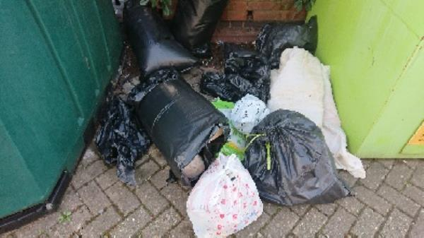House old waste removed fly tipping on going at this site -206 Elgar Road, Reading, RG2 0BE