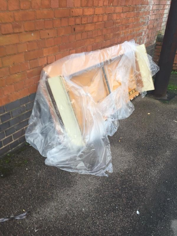 Fly tipping!-27 Marjorie Street, Leicester, LE4 5GY