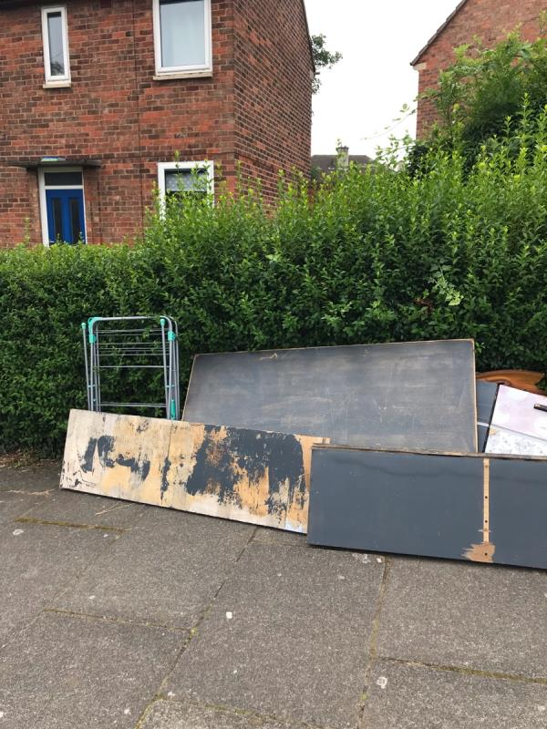 More stuff dumped in the street, this household needs telling that this is not acceptable -64 Pindar Road, Leicester, LE3 9RJ