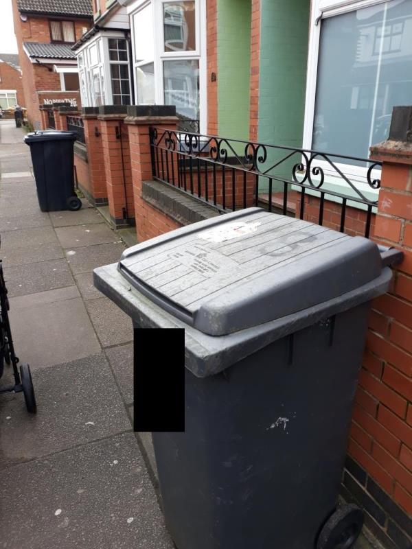 bins on street, our collection day is Thursday -83 Lancashire Street, Leicester, LE4 7AF
