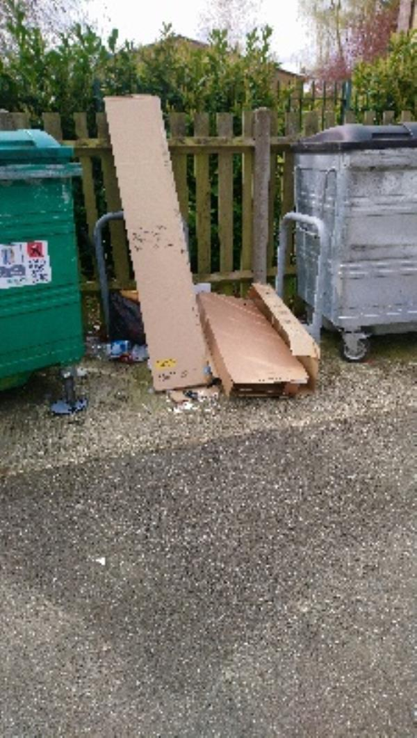 Fly tip at 89-95 Stanhope Rd -79 Stanhope Road, Reading, RG2 7HW