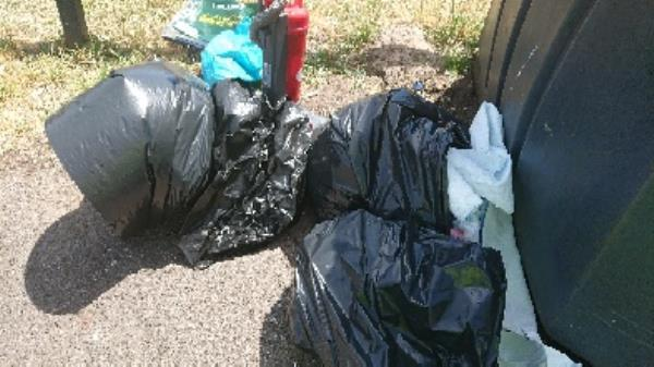 House old waste removedl fly tipping -2-4 Deacon Way, Reading, RG30 6AZ