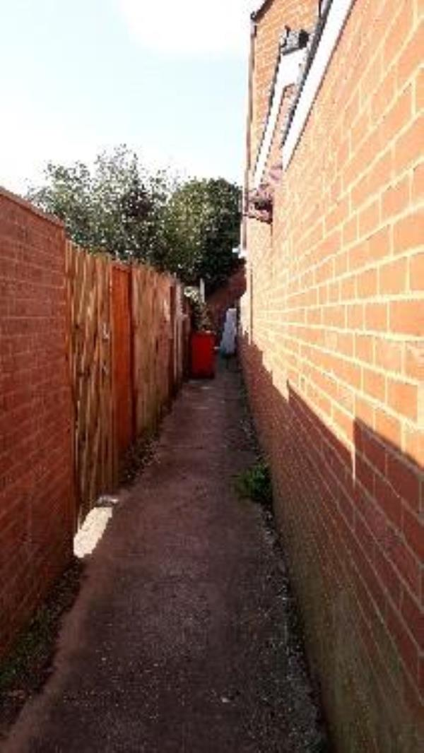 flt tipped mattress in alleyway -52a Prospect Street, Reading, RG4 8JL