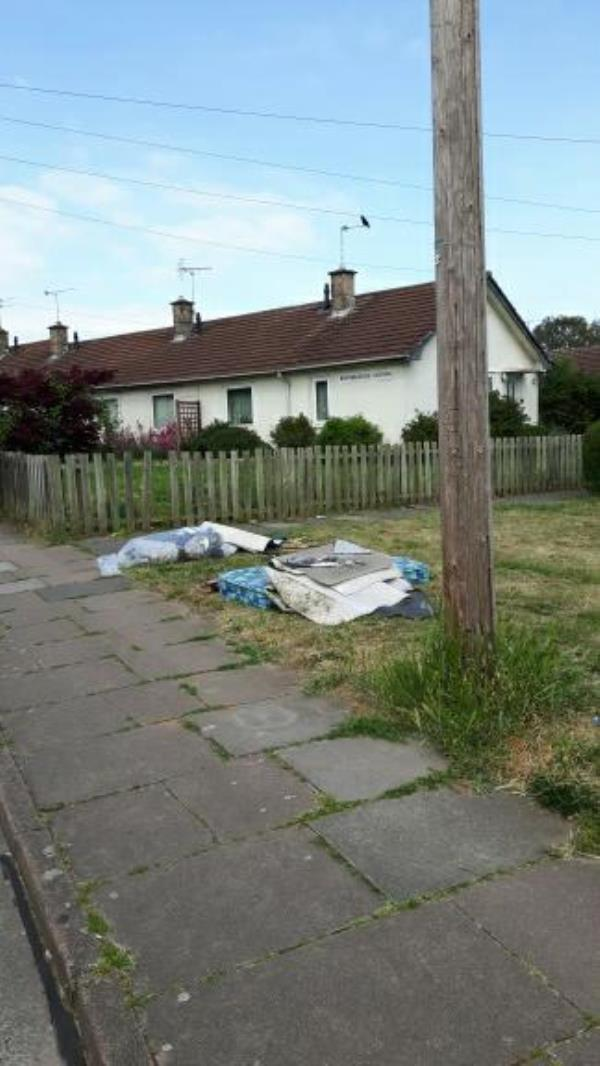 More fly-tipping on grassed area Tovey/Bentinghouse!-24 Bentinghouse Road, Leicester, LE2 9BG