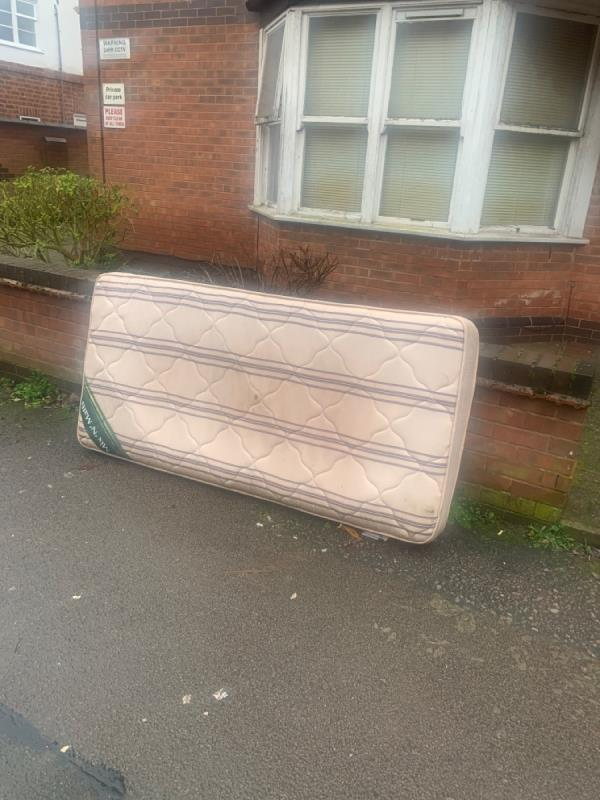 Fly tipping -9 Westleigh Road, Leicester, LE3 0HH