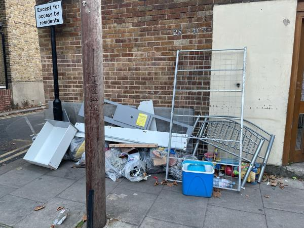 As seen in pictures -11 St. Martins Ave, London E6 3DU, UK
