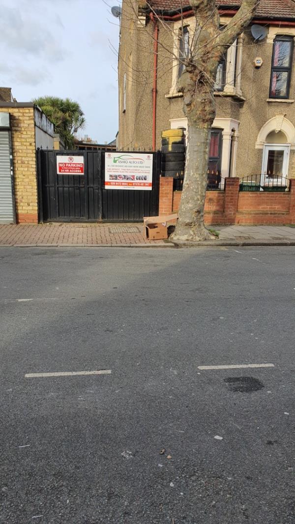 boxes-11 Strone Road, Upton Park, E7 8EX