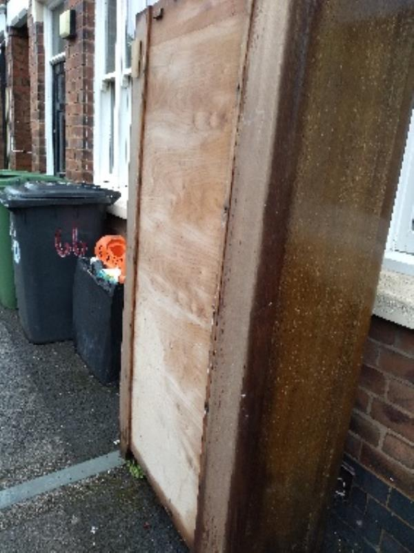 flytipping-67 Gordon St, Wolverhampton WV2 1DA, UK