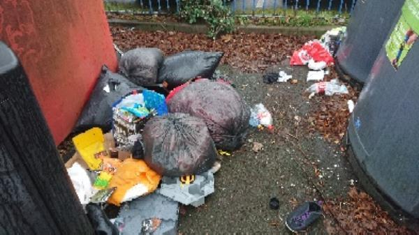 House old waste removed fly tipping -23 Orts Road, Reading, RG1 3JG