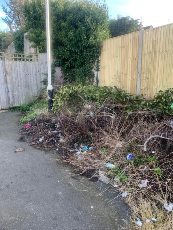 Dumped household rubbish -92 Helmsdale Close, Reading, RG30 2PT