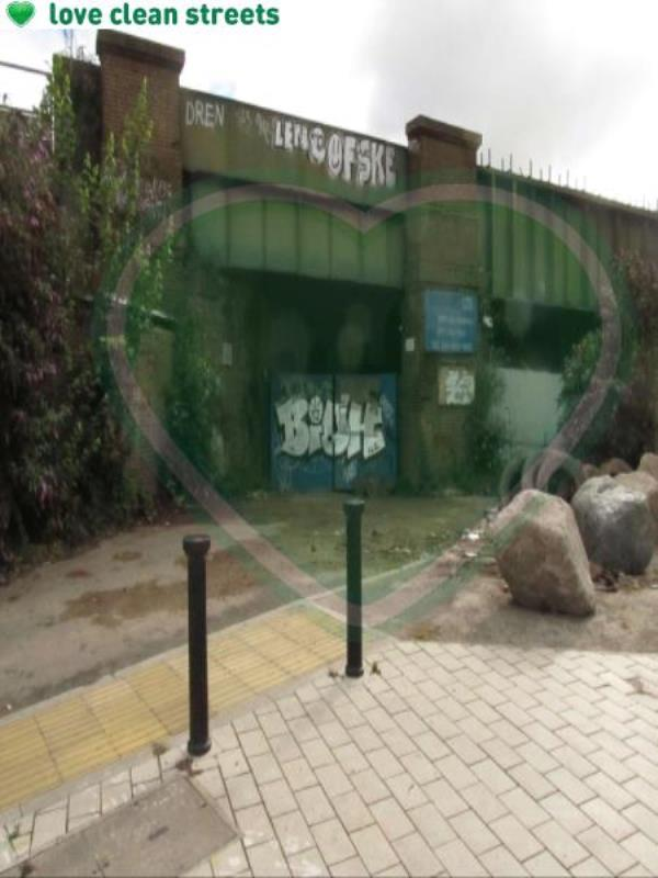 Surrey Canal Road junction of Trundleys Road. Remove graffiti from fence-Arch 5, 9 Canal Approach, London, SE8 5JE