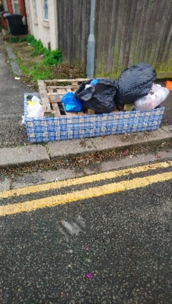 Bed base, pallet and other rubbish -11 Beresford Road, Reading, RG30 1DD