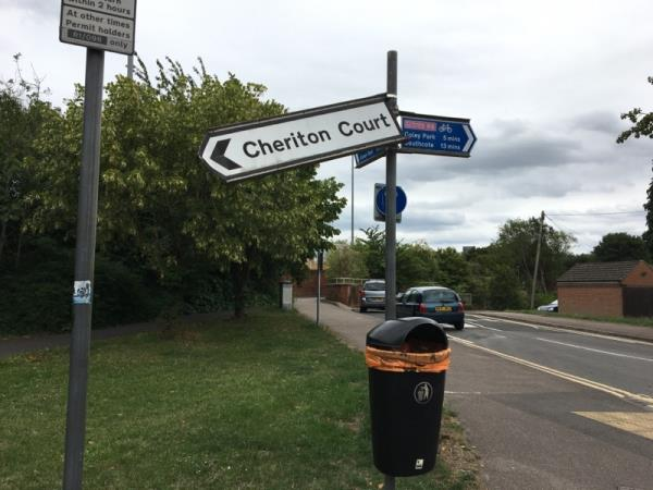 Broken street sign - Cheriton Court-49 Wolseley Street, Reading, RG1 6AZ