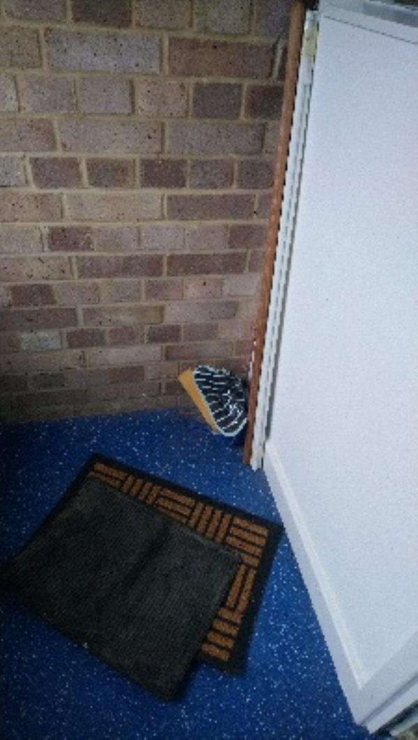 Mats and other items stored behind locked door on 1st floor landing - please clear -137 Newcastle Road, Reading, RG2 7TW