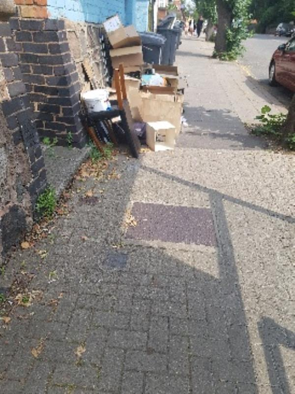 number 191. habitual fly tip house. notices need to be served!!!-191 Hinckley Road, Leicester, LE3 0TF
