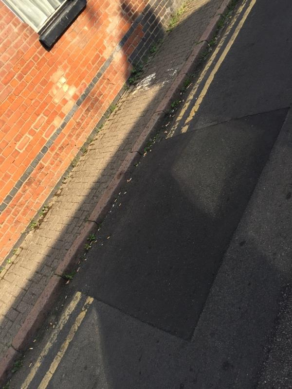 Double yellow lines red repainting on mill hill lane.-142a London Road, Leicester, LE2 1ED