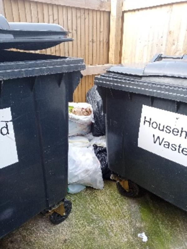excess waste 1 Bevan Close binstore -19 Conwy Close, Reading, RG30 4HS