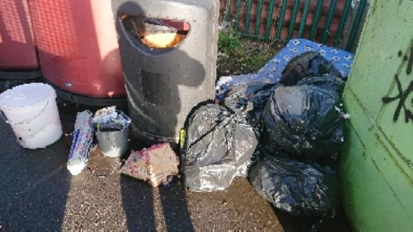 House old waste removedl fly tipping on going at this site -47-49 Church Street, Reading, RG4 8BA