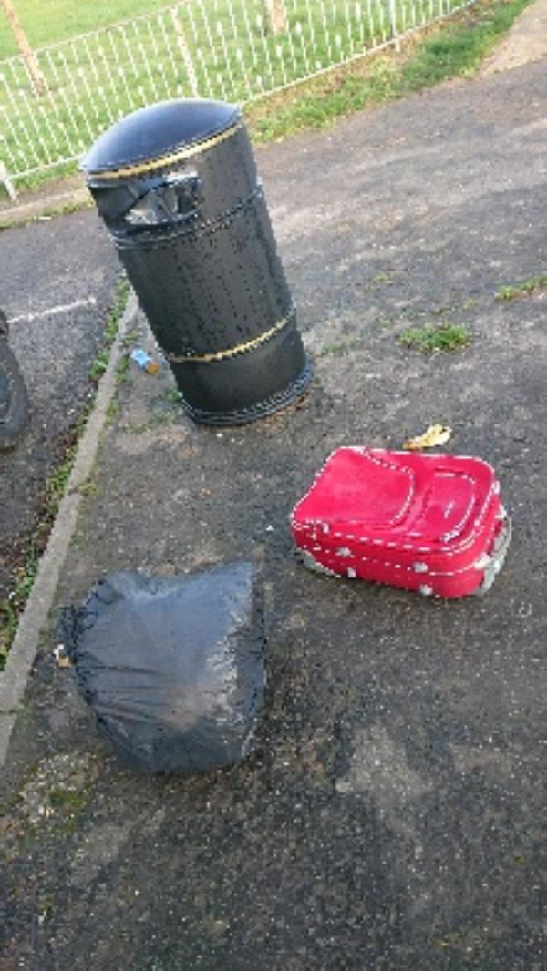 House old waste removedl fly tipping -328 Northumberland Avenue, Reading, RG2 8DF