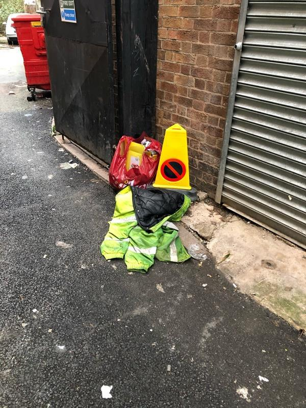 Fly tipping -16 Granby Pl, Leicester LE1 1DE, UK