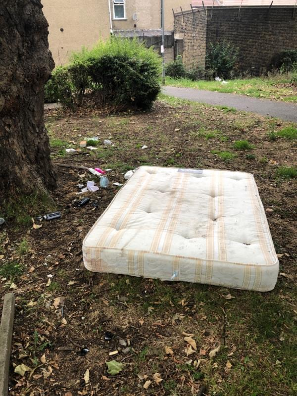 Matress-1 Chesterton Terrace, Plaistow, E13 0DG