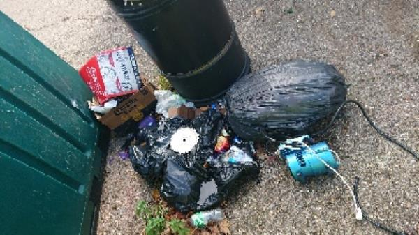 House old waste removedl fly tipping on going at this site -174 Corwen Road, Reading, RG30 4TA